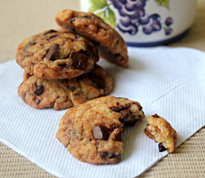 findvegan:  Vegan Chocolate Chunk Cookies