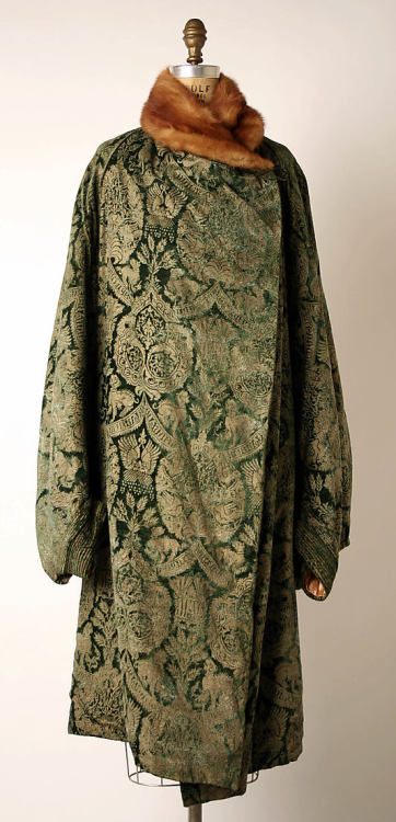 Coat Mariano Fortuny, 1920s The Metropolitan Museum of Art