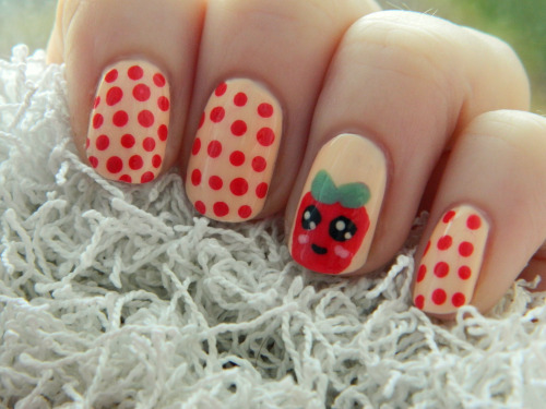 Cute strawberry design :3  But I left the pips out of it and now I think it looks like a tomato haha.
