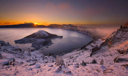 travelingcolors:  Crater Lake Sunrise | Oregon (by Deb Harder)