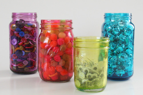 dreamalittlebiggerblog:  Make bright, colorful mason jars out of plain old clear. Hang onto those spaghetti sauce, baby food and pickle jars and make them something pretty and unique.