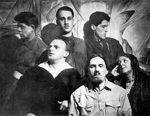 zolotoivek:  Members of the Cosmist art group 'Amaravella', 1927. Sitting are Aleksandr Sardan, Pyotr Fateyev, and Vera Pshesetskaya. Standing are Sergei Shigolev, Boris Smirnov-Rusetsky, and Viktor Chernovolenko.