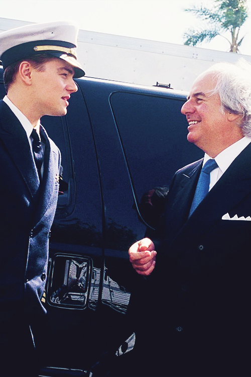 annyskod:  Leonardo DiCaprio and Frank Abagnale jr. on the set of Catch me if you can