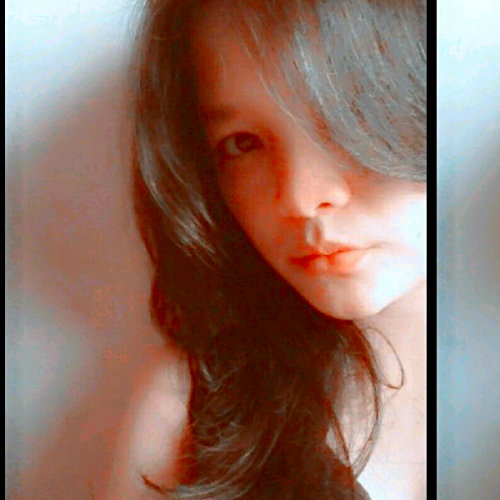 #me #vivid #sexylips #black (Photo taken and uploaded via MOLOME )