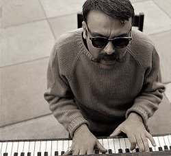 aquariumdrunkard:  Vince Guaraldi time of year