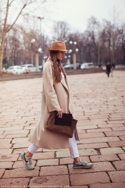 what-do-i-wear:  Silvia Bergomi (image: stockholmstreetstyle)  perfect way to wear running shoes / sneakers with a chic office outfit.