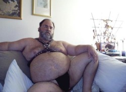 bear914:  bigbellies:  Jocked Daddy   OH Yes !!!!!!