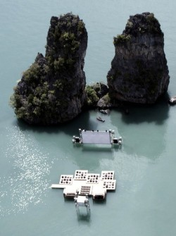 reginasworld:  Archipelago Cinema, an auditorium raft designed to float on the sea, premiered at the inaugural edition of the Film on the Rocks Yao Noi Festival, curated by Apichatpong Weerasethakul and Tilda Swinton. The Festival, which took place from 9th-12th of March 2012, is set to become an annual meeting place for art and film.