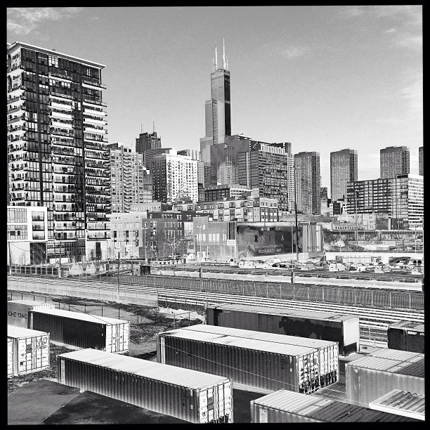 Halsted bridge. #chicago #photography #blackandwhite #solar #skyline