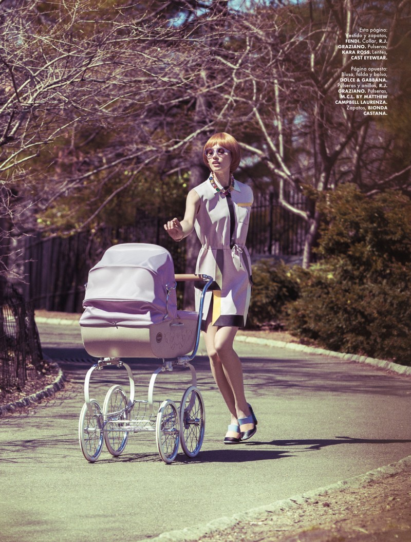 "I Spy: Vintage Baby Carriages We're loving this old-school baby carriage featured in Elle Mexico (May 2013) with Anzhela Turenko and Ashtyn Franklin. Photographed by Yossi Michaeli, the image brings back the traditional ""cadillac of carriages.""  Visit eBay for a sampling of classic baby carriages from the old days.  (Photo: Courtesy of leahcultice. Text by Jauretsi)"