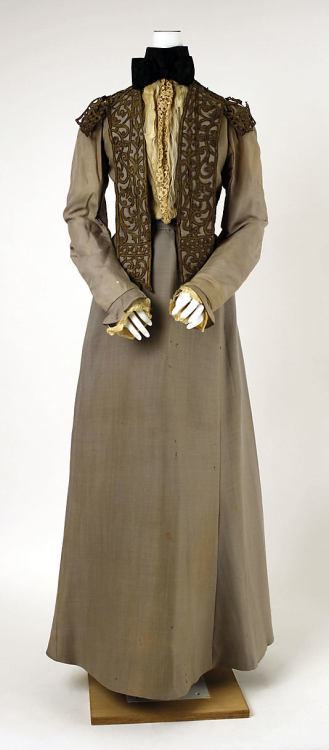 Walking Dress Jean-Philippe Worth, 1900-1903 The Metropolitan Museum of Art