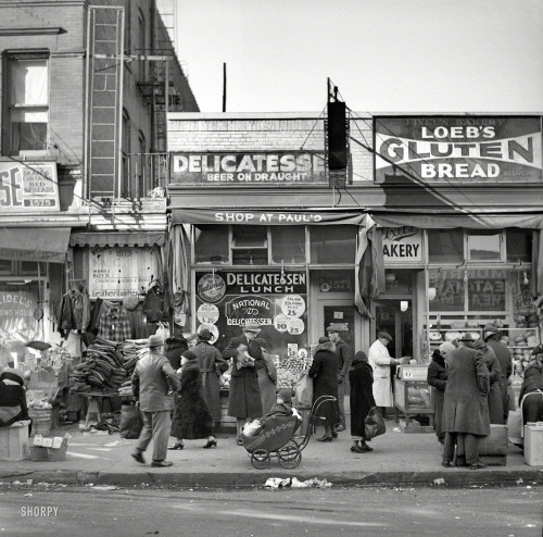 bygoneamericana:    Scene along Bathgate Avenue in the Bronx. New York, 1936. By Arthur Rothstein