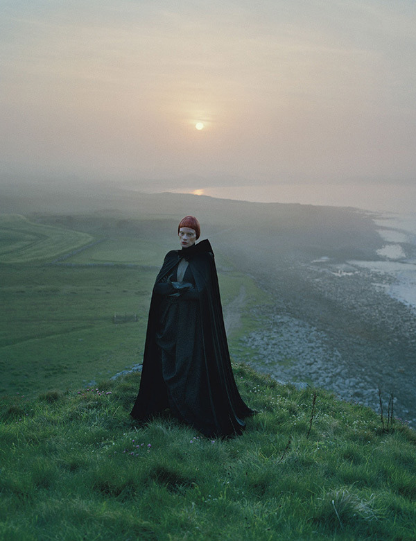 Dame of Thrones, TIM WALKER