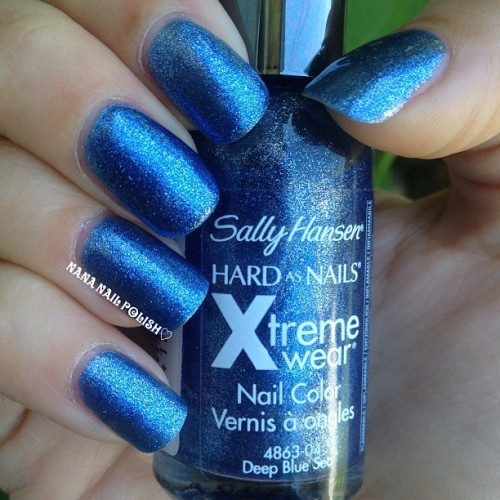 @sally_hansen Deep Blue Sea #nailpolish #nails #sallyhansen #notd #nailcall #polish #blue #xtremewear