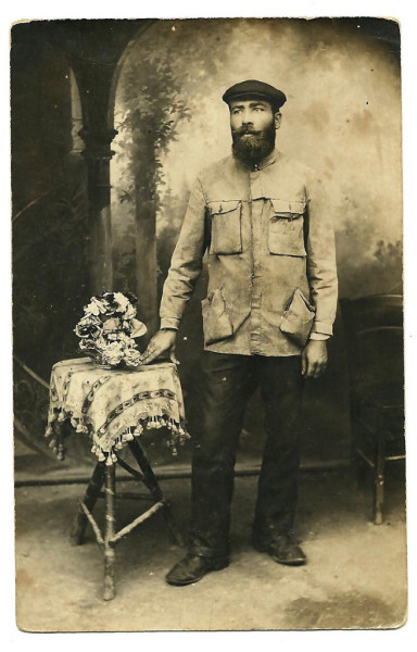 pvoland:  1bohemian:  WWI Jew From Russian Army Prisoner In Germany Photo From Camp  NICE JACKET