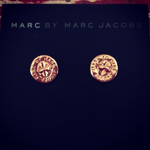 Graduation gift from the MBA BFF! I just ❤ @HeidiDoering so much! #MarcJacobs