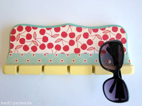 craftdiscoveries:  (via Repurpose a Spoon or Rod Rack into a Cute Sunglasses Holder ~ Madigan Made { simple DIY ideas })