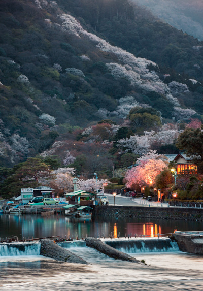 cornersoftheworld:  Arashiyama, Japan (by Rickuz)