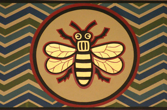 missatombomb:  Manchester Art Gallery Bee by Gareth Hacking on Flickr.
