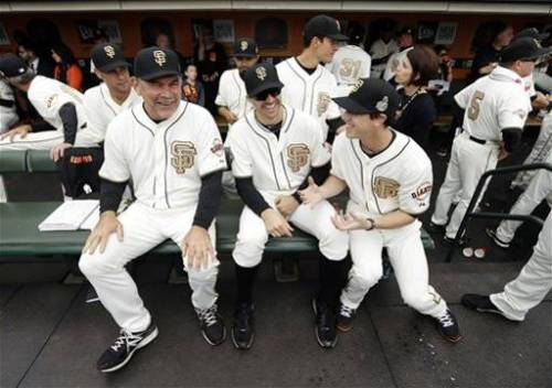 tl55love:  Bochy, Barry and Timmy sharing a laugh
