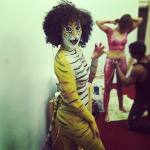 Rawrrr 🐾 #surprise #bodyart #bodypaint #nyc