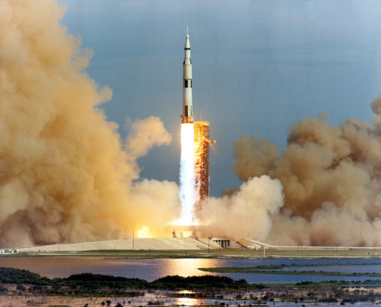"The Incredible Story Of The Apollo 13 Accident ""The Apollo 13 malfunction was caused by an explosion and rupture of oxygen tank no. 2 in the service module. The explosion ruptured a line or damaged a valve in the no. 1 oxygen tank, causing it to lose oxygen rapidly. The service module bay no.4 cover was blown off. All oxygen stores were lost within about 3 hours, along with loss of water, electrical power, and use of the propulsion system."" (X)"