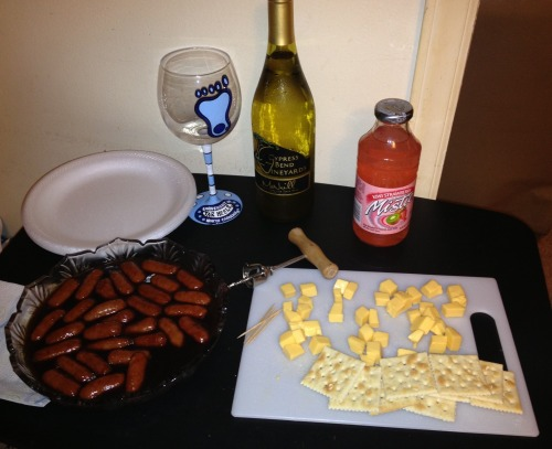 Our pre-game hors-d'oeuvres for the Carolina game sponsored by Cypress Bend Vineyard 🍷🏀🐏