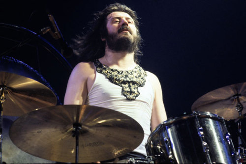 (via Listen to what it would sound like if John Bonham was the drummer of Radiohead) Check out this new music hack that lets you hear John Bonham drum for Radiohead, The White Stripes and even Ke$ha. HERE