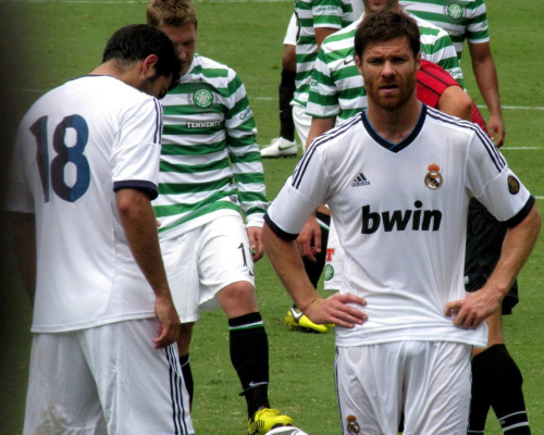 sexy-soccer-2013:  Xabi Alonso bulge    WHAT A FUCKING BIG BULGE !!!!!