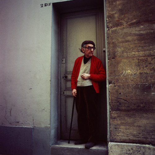 secretcinema1:  Man Ray Outside his House, Paris, 1973, Denis Piel