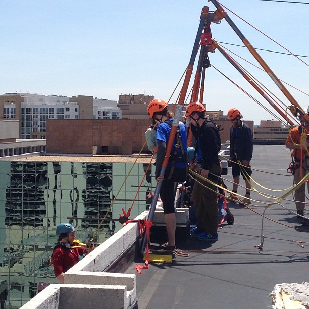 Brave souls going #OverTheEdge to support #SpecialOlympics #va #dc #dmv #crystalcity #braveintheattempt #unfiltered (at Hilton Crystal City at Washington Reagan National Airport)