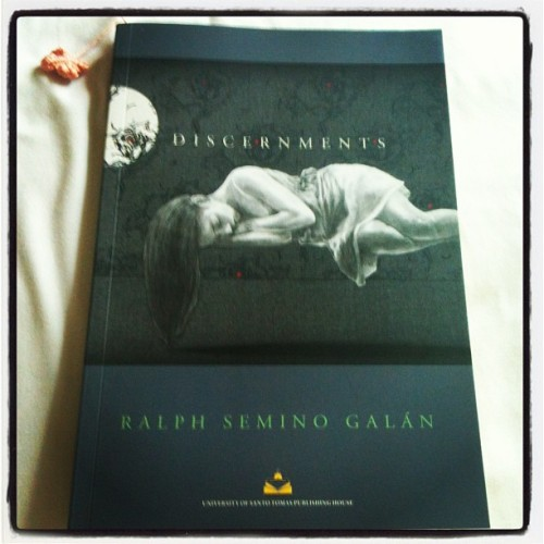 Finally got Discernments last  Monday! It's gonna be my first time to read a book under the genre of Literary Criticism/Essays. #baguioreads #tryingnewthings