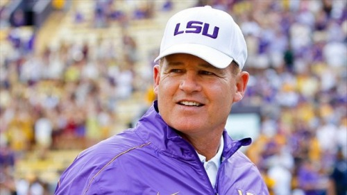 "College Football Rumors: LSU Sources Shoot Down Rumors of a Les Miles Affair Calm down, everyone. Les Miles isn't going anywhere. That Twitter rumor that he was set to resign following an affair with a student is just a Twitter rumor. That someone found on an Alabama message board. Trolls to the left, please.  If Manti Te'o hadn't shut down his Twitter account, he would be saying: ""See??? It's harder than you think to figure out what's real on here!""  I mean, come on. Les Miles really doesn't need any help generating bizarre, entertaining headlines. Relax and let the man do whatever weird thing he's going to do next."