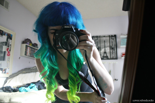 pastel-goth-princess:  lovelydyedlocks:  Hair, I think this was one of your most perfect days. ;3  I wan this hair ❤