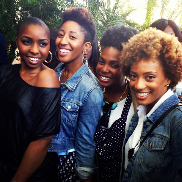 Girlfriends. #naturalhair #brunch #nyc @shawnacorso @tloui @katrinabello #everydaypplnyc #everydaypplbrunch  (at The DL)