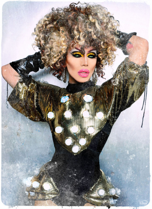 sugarpillcosmetics:  Supremely adorable Yara Sofia looks spectacular as always in Sugarpill Buttercupcake eyeshadow. She makes us so happy! Photo by Jose A Guzman Colon.