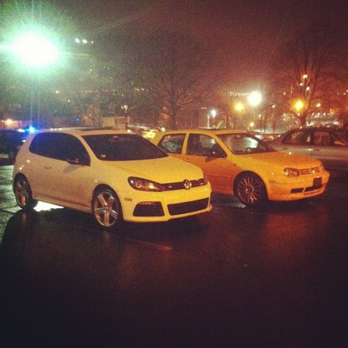 inspiredrealities:  Not sure who the golf r belongs to but makes a good picture. #gti #golfr #20thae #vw #mk4 #mk6