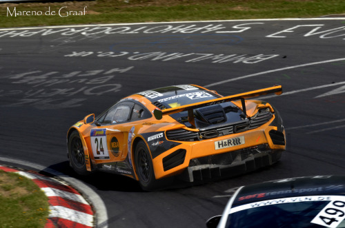 Ultimate ring fighter Starring: McLaren MP4-12 GTC GT3 (by Mareno de Graaf)