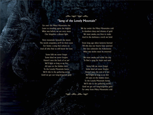 Page from Digital Booklet - The Hobbit An Unexpected Journey (Original Motion Picture Soundtrack), containing lyrics for Misty Mountains.