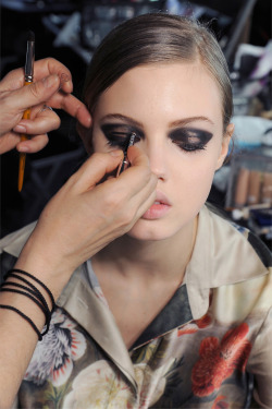 vsandhfmodelcloseups:  Lindsey backstage at Lanvin f/w 2013 fashion show PFW