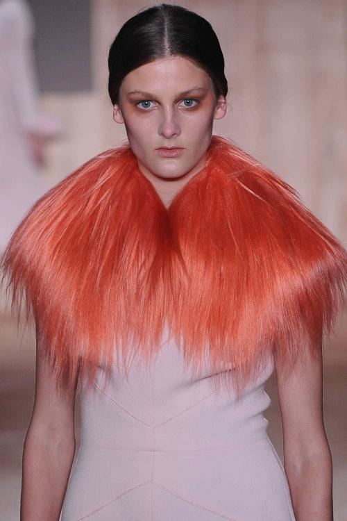 Peach sorbet coloured fur? Yes please! @RoksandaIlincic #LFW