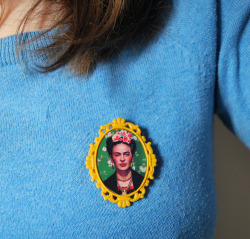 nappyhappy:  Frida Brooches in yellow are back in stock at Daisy's Creations!  I want one of these so bad! Definitely going on my Birthday Wishlist!