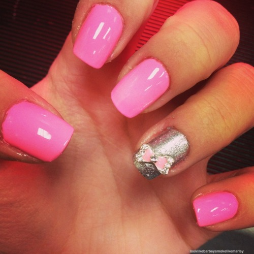 looklikebarbeysmokelikemarley:  bow nails