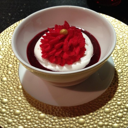 Le Rubis , berries coulies and lychee #desserts #tweegram #photooftheday #me #instamood #cute #iphonesia #fashion #summer #tbt #igers #picoftheday #food #instadaily #instagramhub #beautiful #paris #iphoneonly #instagood #bestoftheday #jj #sky #picstitch #follow #webstagram #sun #nofilter #happy  (at L'Atelier de Joel Robuchon Étoile)