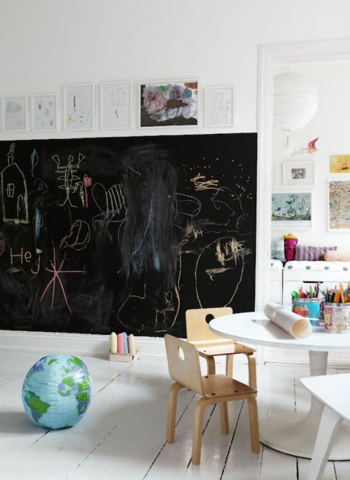 blackboard wall in kids rooms (via ChALKBoARD LOvE)