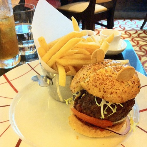Super love the fries and the mayo! The burger was quite all right…    #food #forjohn #foodporn #foodography #sgig #sgfood #sgshiok #delicious #lunch #burger #fries #igsg #igclub #instasg #instafood #iphonesia #instagramsg #iphoneography #singaporefood #mbs #asia #sunday  (at db Bistro Moderne)