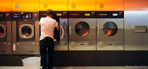 springwise:  In Barcelona, the laundromat gets a stylish makeover Wash & Coffee has already turned the laundromat into a more desirable space to spend time with its in-house café. Now Barcelona-based Splash has created a stylish version of the usually dreary utility to appeal to nearby students. READ MORE…