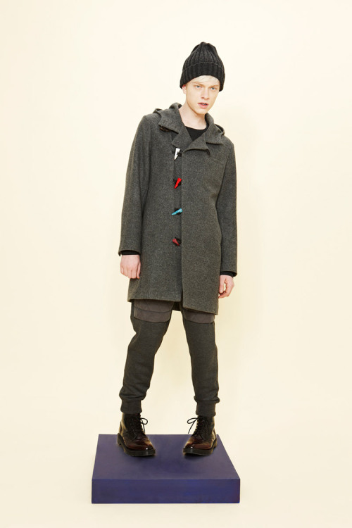 Playful details, we love the colored toggles in Munsoo Kwon Fall/Winter 2013 collection, inspired by the theme of Kidult.