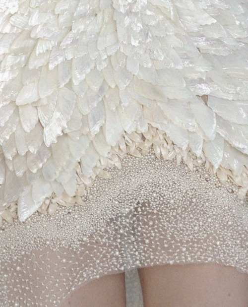 vogue-is-viral:  ohh-my-vogue:  Alexander McQueen - Spring/Summer 2013 - Details  Hey vogueisviral.com is giving away $200 worth of Juicy Couture, BCBG, and J.Crew accessories! You should check it out. You can enter the giveaway up to 4 times everyday! To enter go to top center of vogueisviral.com