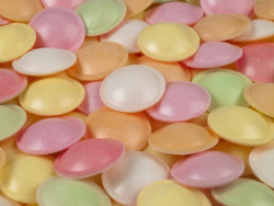 justrebellion:  flying saucer candies